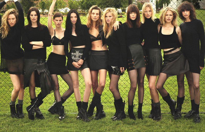 W-Magazine_Super-Normal-Super-Models_02