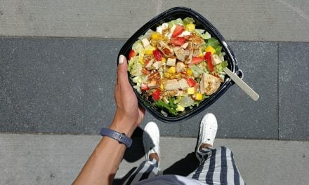 Food & Lifestyle | Wendy's Strawberry Mango Chicken Salad & Contest